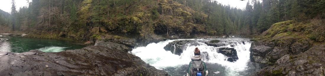 Panorama picture of Little Falls along the Little North Santiam River hiking trail