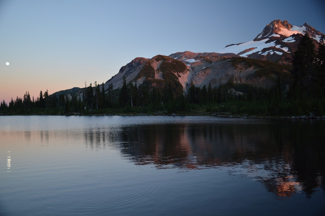 full moon Russell Lake Jefferson Park Pacific Crest Trail Oregon