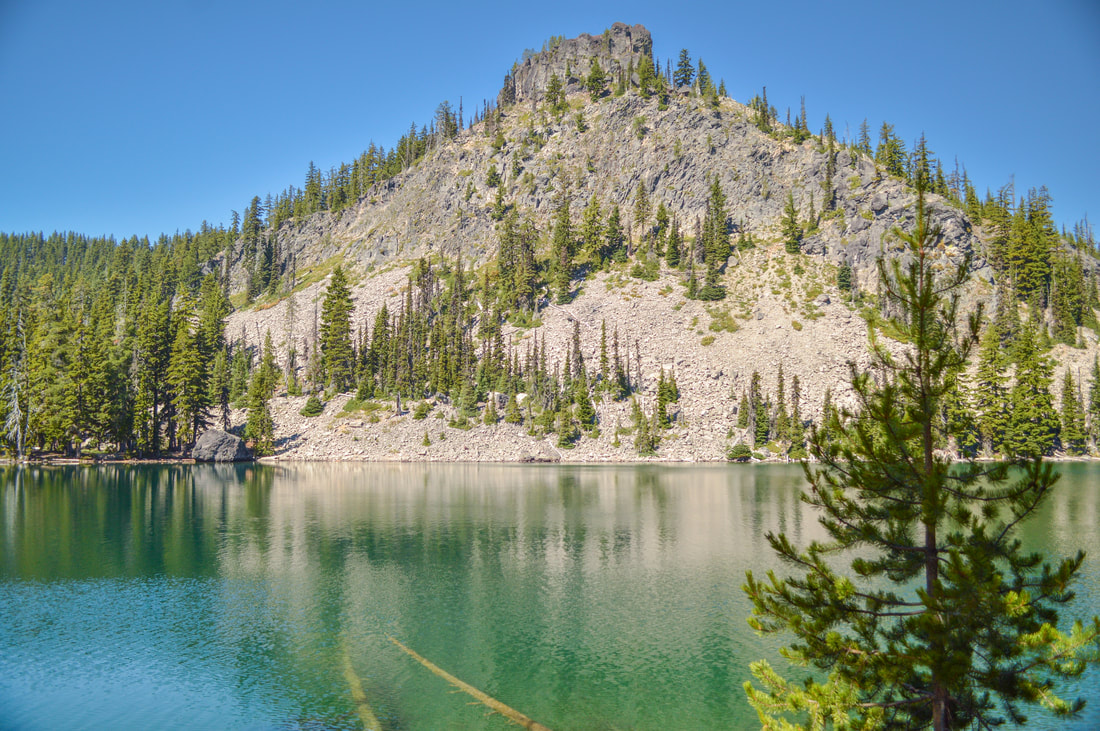 Middle Rosary Lake and Pulpit Rock