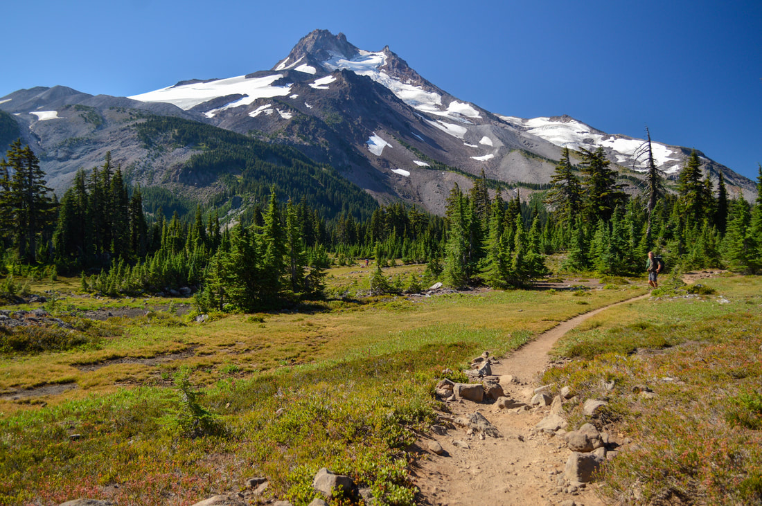 Pacific Crest Trail to Russell Lake
